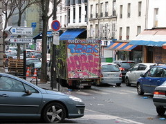 Horf Graffiti Van (tofz4u) Tags: street paris car sign truck graffiti traffic tag voiture camion van rue 75018 panneau streeart artderue horf horphe