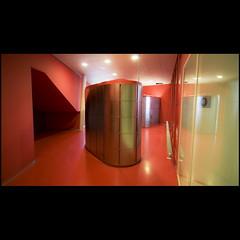 Tardis (Maerten Prins) Tags: red reflection building modern lockers silver hospital shiny utrecht fmmn20032010 geneeskundefaculteit