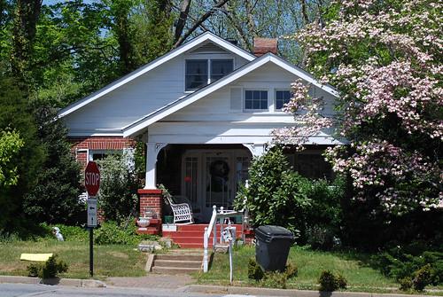 v 3 houses 035