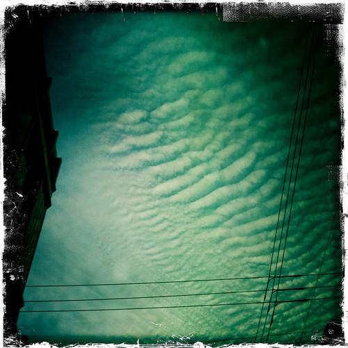 Strange skies (hipstamatic)
