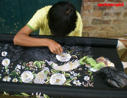 广西靖西:刺绣