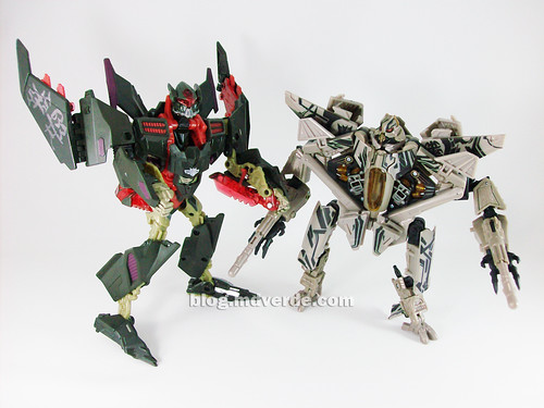 Transformers Mindwipe RotF NEST Voyager vs Starscream Voyager - modo robot