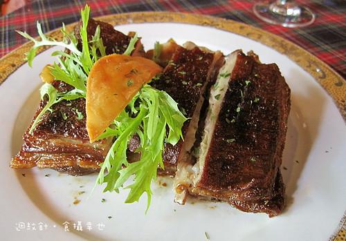 狄尼休斯西班牙鄉村燉烤羊胸排