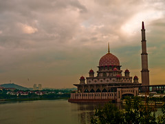 Putra Mosque (chiam_ck) Tags: reflection architecture mosque scenary malaysia putrajaya rm alr 1445mm