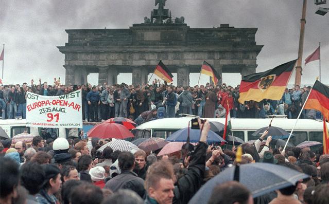 柏林墙倒塌照片20
