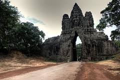 north gate entrance to angkor thom