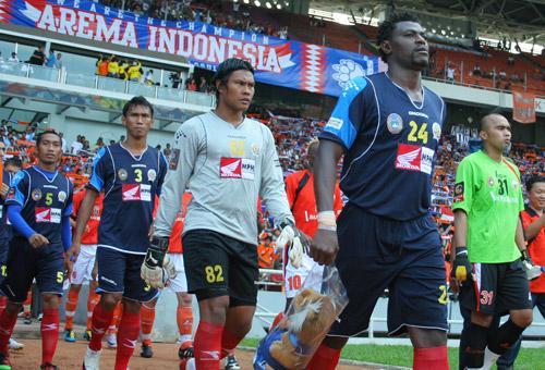 Arema Vs Indonesia: Arema Dan Aremania Satu Jiwa