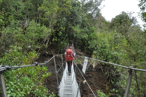 The suspension bridge where I threw away my lenscap - and minutes after twisted my ankle. Yup, I am a genius