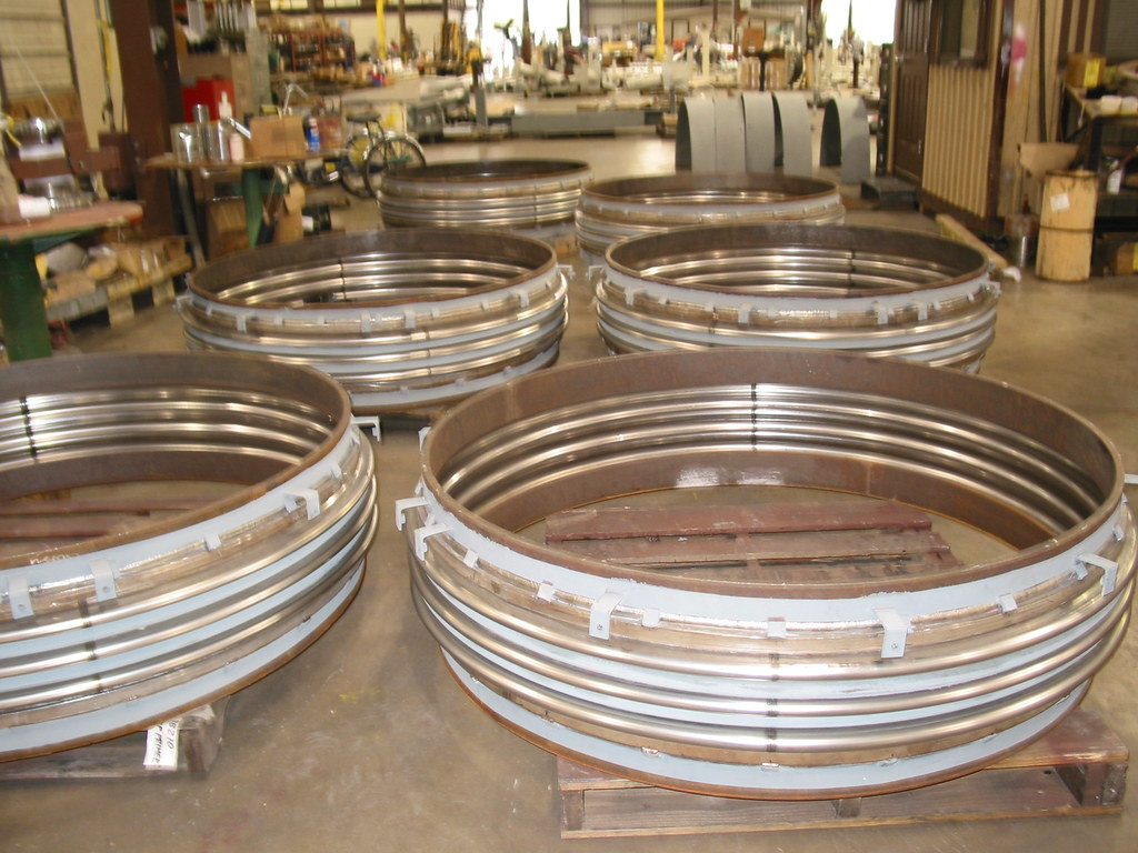 14 Single Reinforced Metal Expansion Joints for a Construction Company in Israel