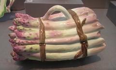 Asparagus tureen (sftrajan) Tags: sanfrancisco california museum ceramic muse porcelaine museo porcelain porzellan eighteenthcentury porcellana californiapalaceofthelegionofhonor chelseaporcelain softpasteporcelain chelseasoftpasteporcelain englishdecorativeart