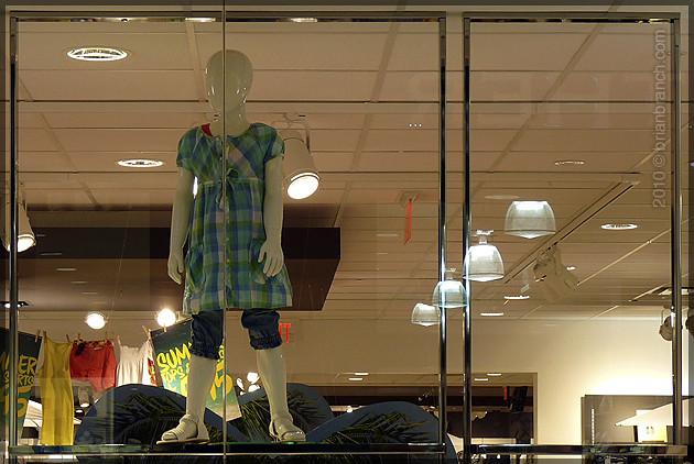 P1100530_child_mannequin