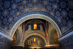 Night and Day (Teone!) Tags: art stars arte mosaic mosaico mausoleum tp romanempire ravenna stelle mausoleo imperoromano gallaplacida abigfave citrit concordians goldstaraward anticando