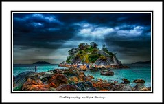 Whyte Islet / West Vancouver / HDR / Ocean / Georgia Strait / Low Tide / Light Rays / Sun Beam / Clouds / Kyle Bailey / Canon (Kyle Bailey - Da Big Cheeze) Tags: ocean storm beach nature water clouds island rocks howesound hdr highdynamicrange whytecliffpark seatosky hdraward kylebailey rookiephoto dabigcheeze wwwrookiephotocom