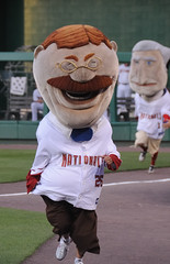 Teddy in the presidents race home stretch