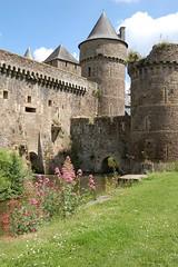 Chteau de Fougres (Haute Bretagne) Tags: castle history brittany cit bretagne age histoire chteau fougres moyen illeetvilaine douves mdivale hautebretagne