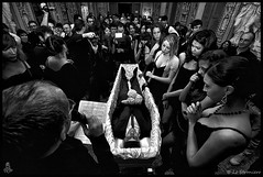 Anthony De Luca's funeral 1980 - 2010 - (Third sequence) (Lo_straniero) Tags: rain canon eos rebel blackberry centro funeral motorola bologna bianca bara pioggia fatica sigma1020mm 500d funerale tamronspaf2875mmf28xrdild lostraniero canoneos500d ilmioprimoset t1i nissindi866 canoneos500dsigma1020mm funeraledavivo taouilyouness rimossadalampistapermancanzainformazioniluci funeralalive funeraledianthonydeluca19802010 anthonydelucasfuneral19802010 younesstaouil