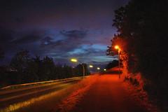 lampenaufgang 2 (Bilderschreiber) Tags: street wood bridge sky lamp night dawn twilight darkness nacht himmel dmmerung dunkelheit holzbrcke supershot strasenlaterne