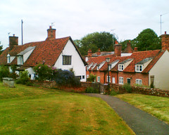 Quaint Houses (CaroVorona) Tags: uk houses england english lawn quaint essex thatching cottages artartisticgirlinterstingnessoddstrangeweirdunusualsurreal