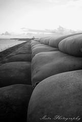 Deretan Sofa (memet metz) Tags: bali beach indonesia landscape photography blackwhite pentax sofa di metz pantai putih sanur hitam tepi k10d deretan mertesari