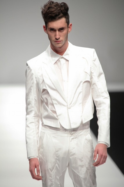 Mathias Bilien3009_SS11_Tokyo_2010 New Designer Fashion Grand Prix(changefashion)