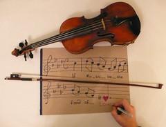 [フリー画像] 物・モノ, 楽器, バイオリン, 201011122300