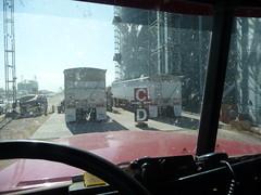 Week_11_2009_09 (four4dots) Tags: waiting grain trucks unload harvest2009