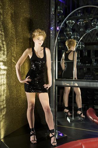 フリー画像| 人物写真| 女性ポートレイト| 白人女性| 金髪/ブロンド| ショートヘアー| ドレス|     フリー素材|