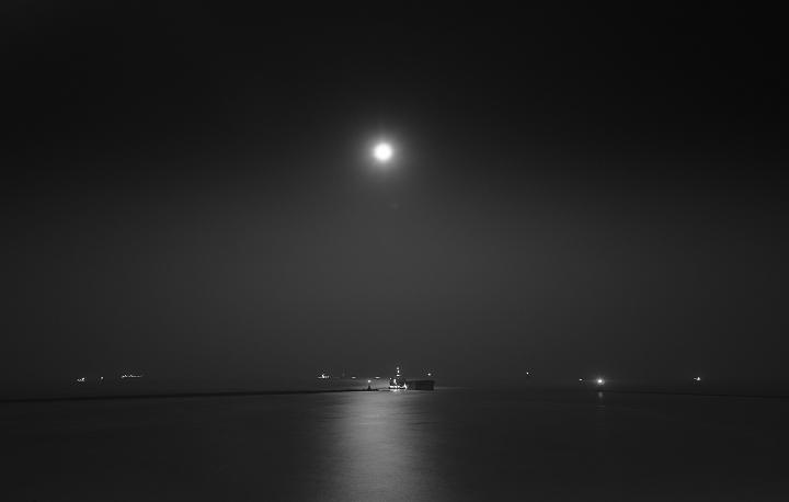 07月光海