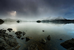 HEAVENLY SPOTLIGHT (Steve Boote..) Tags: sun snow clouds landscape lakes lakedistrict cumbria derwentwater keswick gitzo friarscrag sigma1020 northwestengland singhrayfilters samsunggx20 koodfilters steveboote