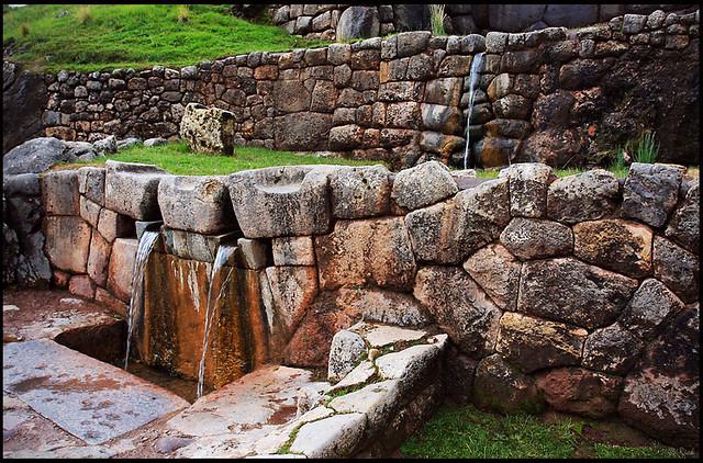 Tambomachay aqueduct, water