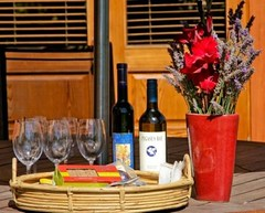 Wine & cheese anyone? (Manata Lodge) Tags: travel newzealand vacation holiday paradise honeymoon apartments getaway romance lodge nz queenstown bb arrowtown packages deals rejuvenation servicedapartments luxurylodge hotprices queenstownaccommodation hostedaccommodation