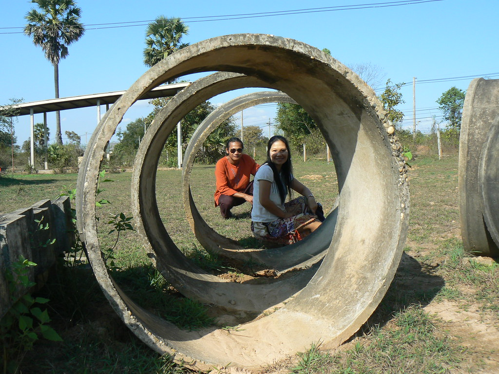 Isaan environmentalists Gib welcomes you to experience organic Thai style farming, contact Mundo Exchange to learn more.