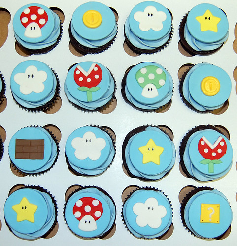 video game inspired birthday cupcakes