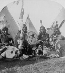 (animated stereo) Sioux elders, circa 1900 (Thiophene_Guy) Tags: 19thcentury derivativeworks imagesharedbythelibraryofcongress stereoview stereogram 3d animatedstereo animatedgif history wiggly motionparallax stereo parallax stereophotomaker wiggle animated gif blackandwhite bw twingersoll ingersoll sioux siuoanindians elders shield lance spear pipe headdress warbonnet tent tepees teepees tipis native american indian thiopheneguy americanoldwest 1900s nativeamerican jiggle jiggly wigglegram ぷるぷる プルプル3d プルプル