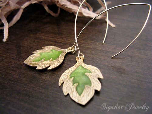 Botanical Leaf Earrings in Moss Green