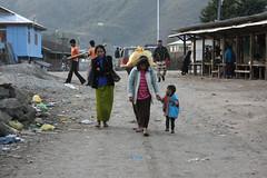Street scene in Ziro, Arunachal Pradesh (sensaos) Tags: people india asia village market traditional north tribal east area tradition tribe northeast indigenous pradesh azie arunachal famke noord oost azië ziro apatani sensaos