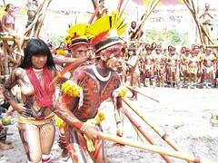 Do Xingu, Mato Grosso (Tine72) Tags: tattoo dance amazon native culture xingu dana cultura indio amazonas indigena urucum ethnie kamaiur coquar