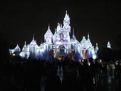 A Snow Covered Sleeping Beauty Castle (Ice101) Tags: christmas disneyland sleepingbeautycastle disneylandresort