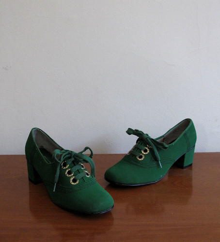 vtg 60's green lace up heels