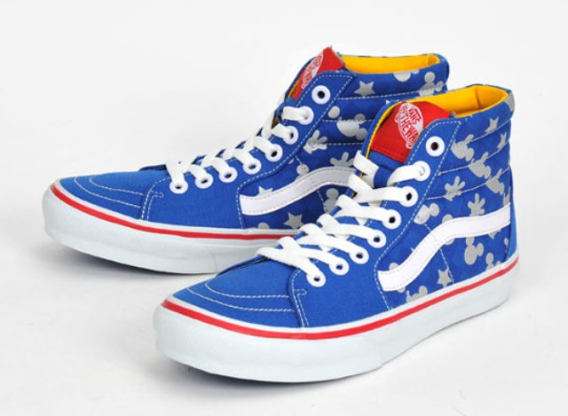 vans-mickey-mouse-sk8-hi-front