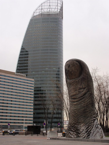 La Defense thumb