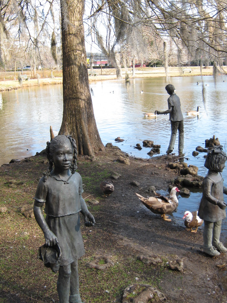 statues and ducks
