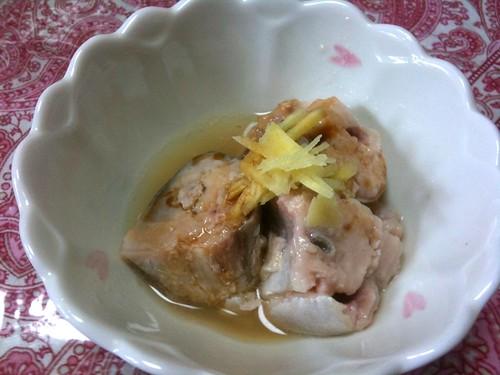 #jisui 鯖缶にたっぷりの酢。醤油少々。根生姜。美味い!