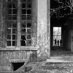 Centrale (mikeh2o) Tags: art architecture canon tag silhouettes nb ruine ombres lige charbonnage retinne