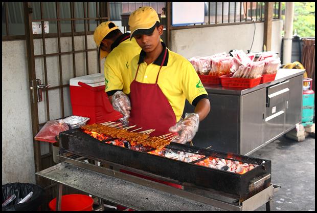 satay-grilling