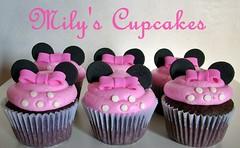 Pink Minnie (Mily'sCupcakes) Tags: pink black cupcakes chocolate negro rosa minnie buttercream moño milys