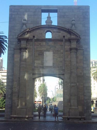 MONTEVIDEO, PUERTA CIUDAD VIEJA por viajesyturismoaldia, en Flickr
