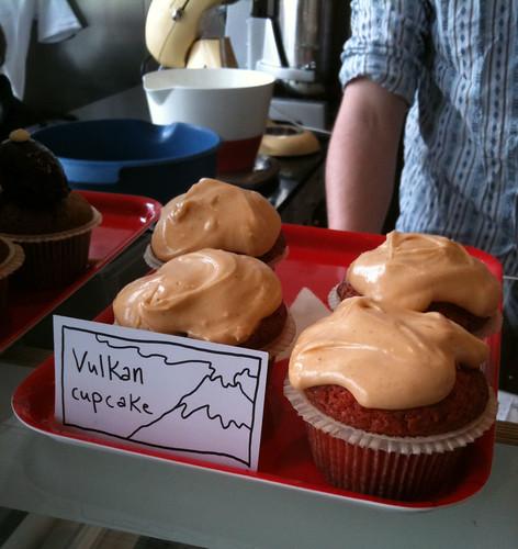 Vulkan cupcake