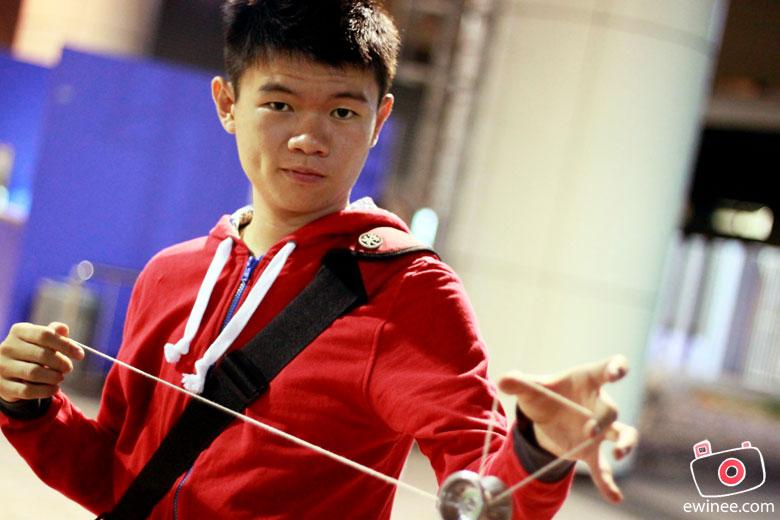 AP-2010-DAY-1-SINGAPORE-YOYO-ewin