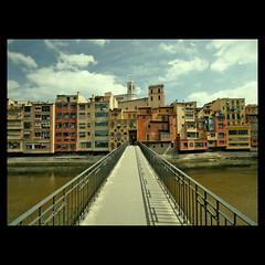 Benvinguts a Girona! (m@tr) Tags: espaa canon sigma girona catalunya gerona onyar canoneos400ddigital rioonyar mtr sigma1020mmexdc marcovianna imagenesdegirona
